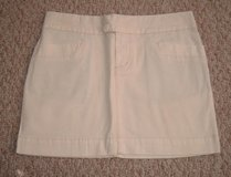 American Eagle Stretch Cream Mini Skirt Sz 2 in Chicago, Illinois